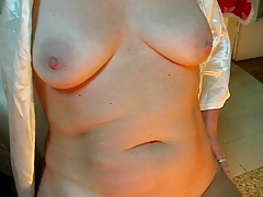 mature showing hairy pussy